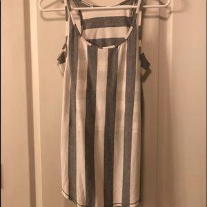 Lululemon stretchy cotton top crisscross design